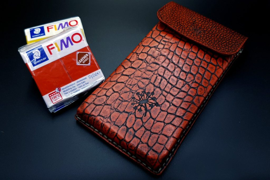 My 1st Faux Leather Phone Case from Fimo Leather Effect 2
