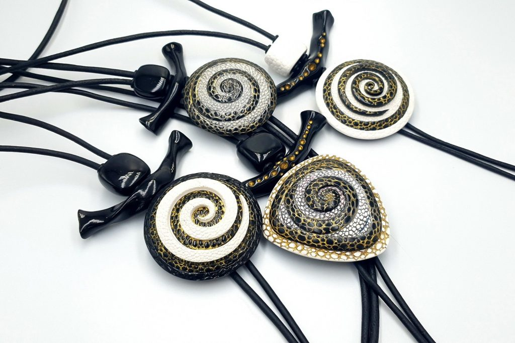 4 Amazing Yin-Yang Swirl Pendants made from polymer clay 3