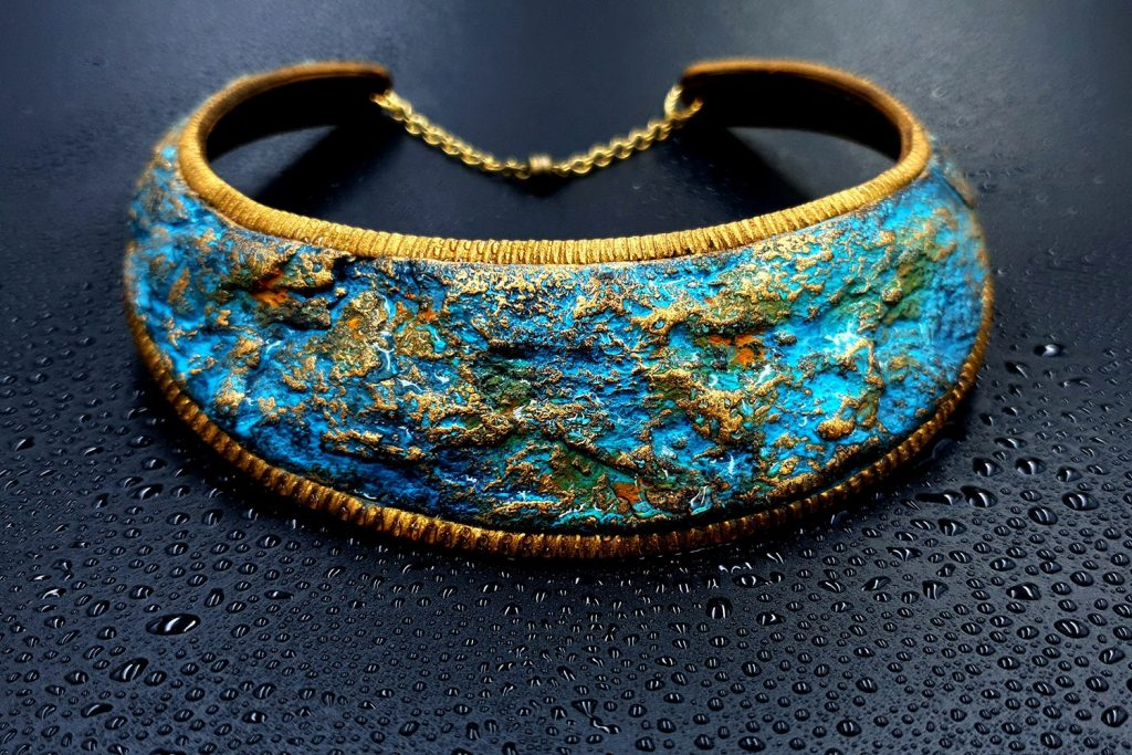 Faux Rusted Metal Collar from Polymer Clay