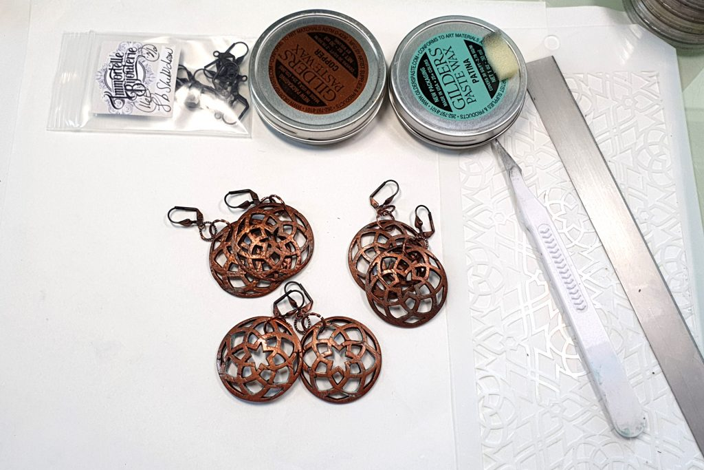 Free Tutorial: Polymer clay Earrings - Metal Imitation with Fimo Leather Effect and plastic stencils 2