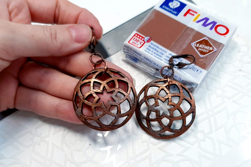 Free Tutorial: Polymer clay Earrings - Metal Imitation with Fimo Leather Effect and plastic stencils 4