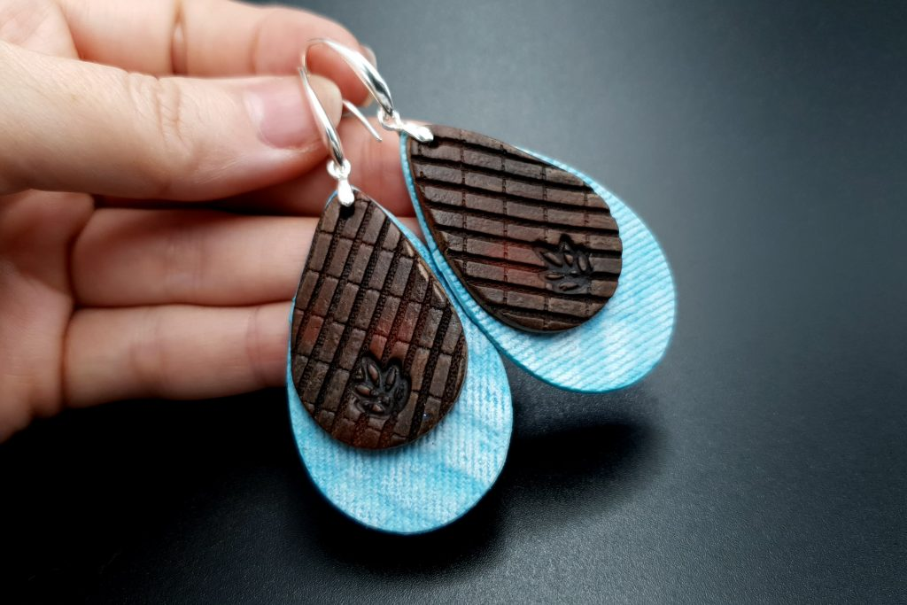 Free Video Tutorial: How to make Attractive Textured Polymer Clay Earrings 3