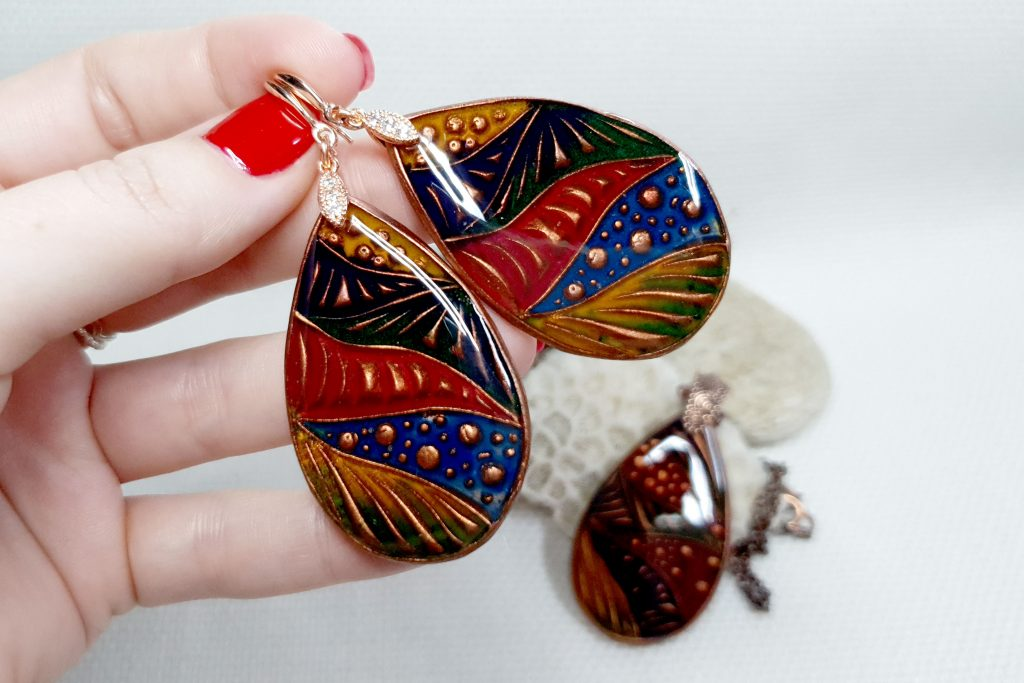 Free Video Tutorial: How to make cloisonne copper jewelry set with Cold enamel. 3