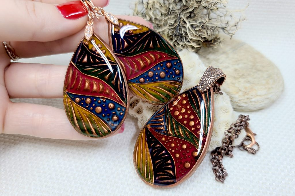Free Video Tutorial: How to make cloisonne copper jewelry set with Cold enamel. 2